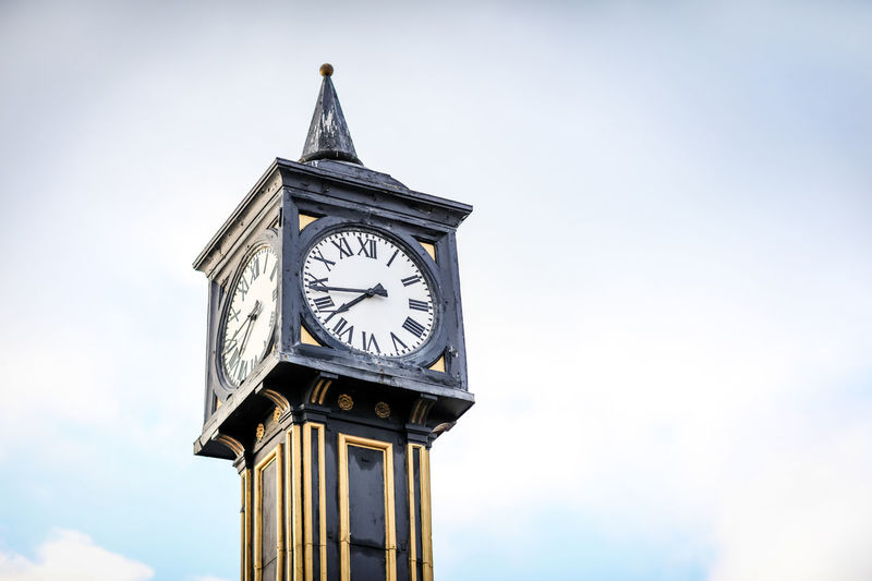 Clock tower Brighton Brighton Beach Brighton Pier Brighton Uk Brighton And Hove Time Clock Clock Face Architecture Building Exterior Minute Hand Roman Built Structure No People Instrument Of Time Clock Tower Old Sky Tower