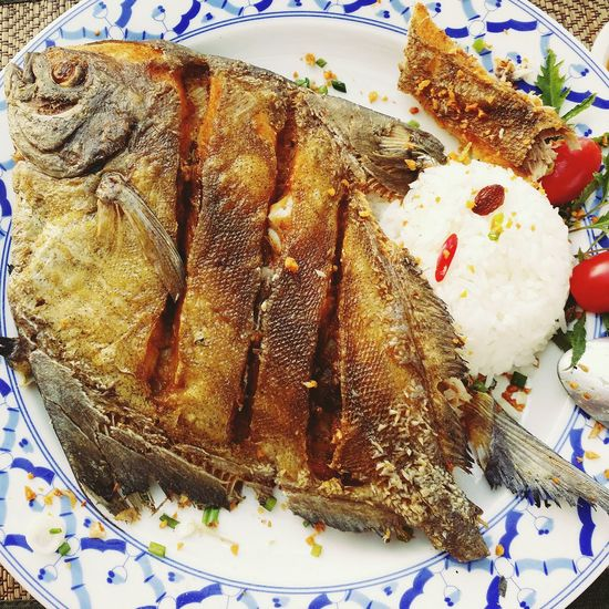 Close-up Food Freshness Vacations Fun Dish Fish Crispy Whole Fish Food Plate Colourful Rice