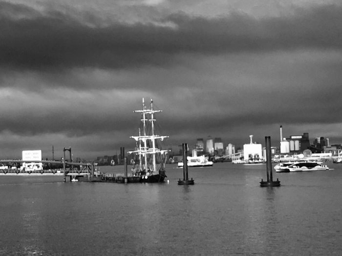 Weather ... Bnw_friday_eyeemchallenge Bnw_water Bnw_collection Sky Cloud - Sky Tall Ship LONDON❤ River Thames Cityscape Sky And Clouds Skyline