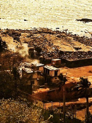 Abandoned warehouse at the seaside Seaside Mumbaimag MumbaiDiaries Mumbai_in_clicks Arabiansea Sony Xperia Photography. Mumbai Sony Xperia Z3 Abandoned Buildings Abandoned Places