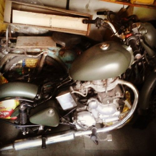 Royalenfield Remodeling Phase Two PaintJob Electra Mat Green Bullet