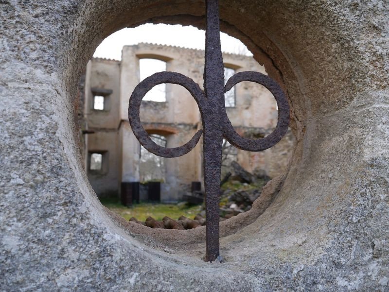 Window Oradour Sur Glane Ruined Destroyed Ruined Building Bomb Damage Memorial Window Round Rusty
