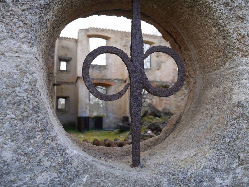 Window Oradour Sur Glane Ruined Destroyed Ruined Building Bomb Damage Memorial Window Round Rusty