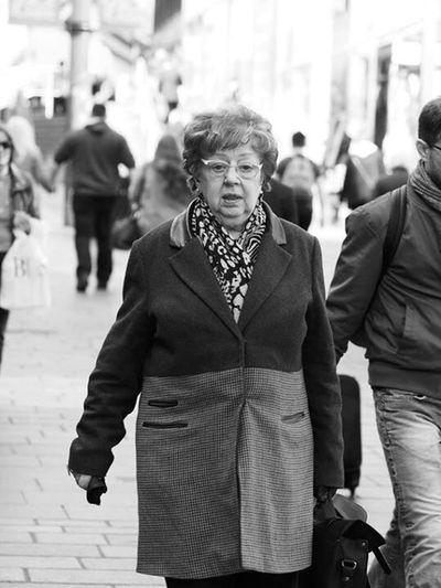 Shopping. Up Close Street Photography Street Streetphotography Street Photography Streetphoto_bw Monochrome Blackandwhite Blackandwhite Photography Black And White Glasgow  Upclosestreetphotography
