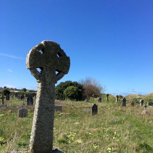 St Uny Celtic Cross Cornish Churchyard Gravestones Peaceful