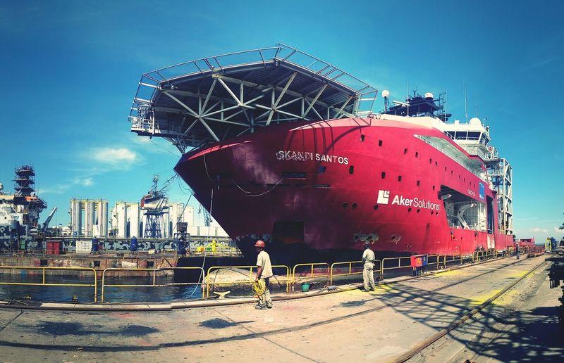 Brinquedinho novo na área. Working Carioca RJ Rio De Janeiro Relaxing Navy Pier Shipyard Ship