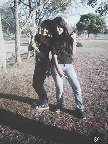 Dia del rock con mi mejor amiga siempre. Rock Bestfriend Beauty Old Pic  ???