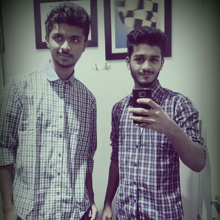 Friend_for_life Ramzan BeGood Dogood retrica shopping 30daysofsharing eidshopping trial_room lp selfie awesome_day timepass love s2 mirror