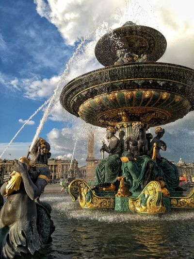 Fontaine au place de la Concorde, Paris Springtime Paris Placedelaconcorde Metropole France Roundabout Sky Close-up Cloud - Sky Fountain Flowing Water