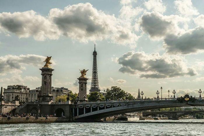 Pont Alexandre III EyeEm 2015 Eyembestshots Paris Eyeemfrance River Seine Paris, France  Eyeemphotography Streetphoto_color