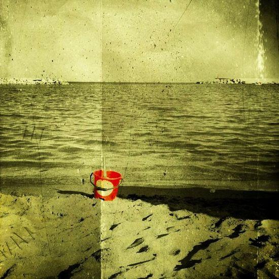 Red bucket || Buenas noches! || Good night! || Inmacm Beach Playa Bucket