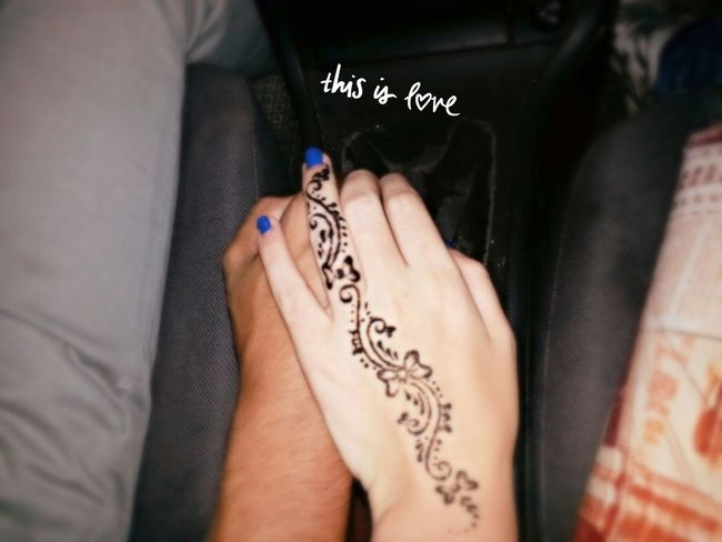 This is love. Holding the hand while driving~ Love My Girlfriend <3  Holding Hands Holdinghands Holding Hands<3 Love Emotion Pictures Photography Love♡ Heartbeat Moments Captured Moment Love ♥