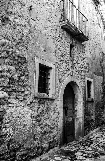 Montefusco Avellino Portone Antico Portone Antico Borgo Medievale Borgo Antico Borgo BW_photography Bw Built Structure Architecture Building Exterior Building Window Old No People
