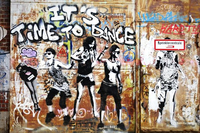 Let's dance Open Edit Streetart Walking Around Graffiti Sound Of Life EyeEm Gallery Tadaa Community EyeEm Best Shots Weekend Electronic Music Shots