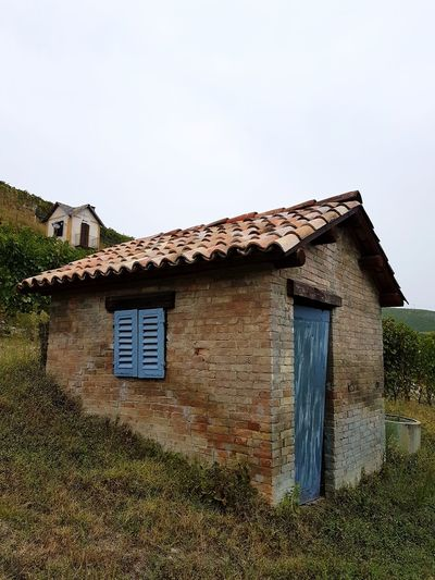 Low Angle View No People Outdoors Day Hill Old Style The Past Tranquility Travel Destinations Piedmont Italy Barolo Vineyards Langhe Autumn Vineyards In Autumn Small House Rural Building Building Exterior Rural Scene Architecture Beauty In Nature Vineyard Cultivation Leaves In Autumn Agriculture