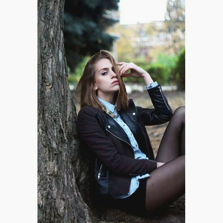 Relaxing Taking Photos Portrait Beautiful Modeling Photography