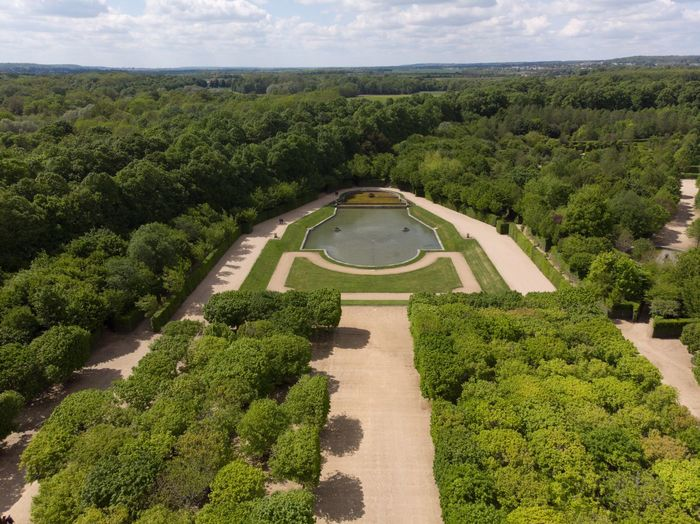 The majestic gardens of versailles