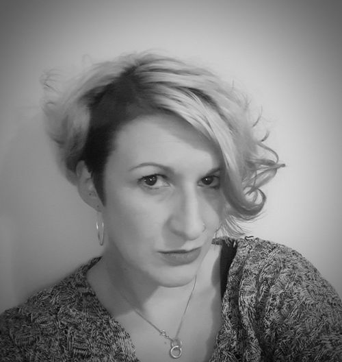 Eye4photography  Selfie ✌ Self Portrait Woman Portrait Woman Of EyeEm Portrait Beautiful Woman Young Women Beauty Blond Hair Headshot Studio Shot Looking At Camera Beautiful People Females Mascara Tangled Hair