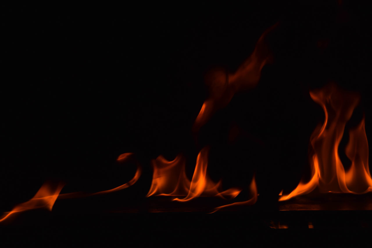 burning, flame, fire - natural phenomenon, heat - temperature, glowing, night, bonfire, fire, no people, motion, close-up, indoors, nature