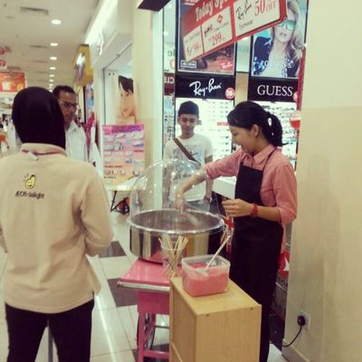 Part time job for today. Cotton candy maker.
