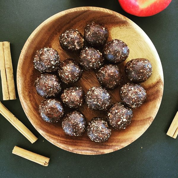 Food Healthy Eating Vegan Desserts Bliss Balls Energy Boost  View From Above Energy Balls Healthy Dessert Dessert Alternative Lifestyle Cinnamon