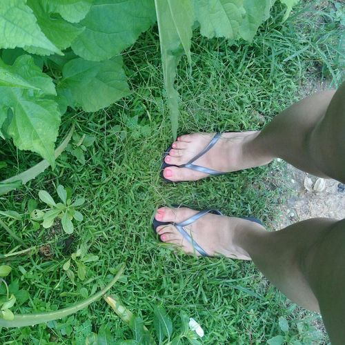 Happy :) Taking Photos That's Me Nature Feet