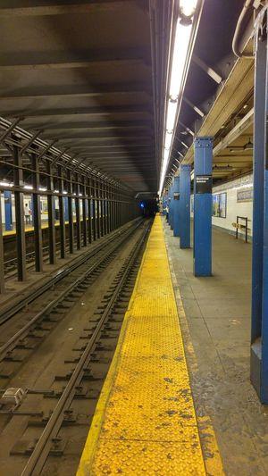 New York Brooklyn Summer2015 Subwaystation Metro Trainstation Mta Underground Railway Railcar
