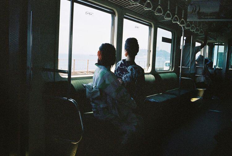 Ultimate Japan People Watching Travel Photography Kamakura Enoshima Enoden Japan Filmisnotdead Film Photography 35mm Film Kodak Portra Contax T3 Trainphotography