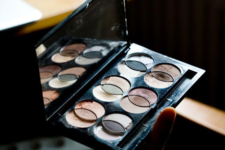 eyeshadows Eyeshadow Makeup Makeup ♥ Close-up Make-up Beauty Product Lipstick Close-up Eyeshadow Eye Make-up Make-up Brush Eyelash Applying Face Powder Body Care And Beauty Blush - Make-up