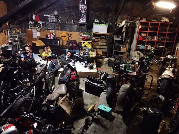 Night work Bike 35 Garage Harleydavidson Enjoying Life Classic Motorcycles Hoby Harley Davidson Norton Motorcycles Birmingham Small Arms Creative People