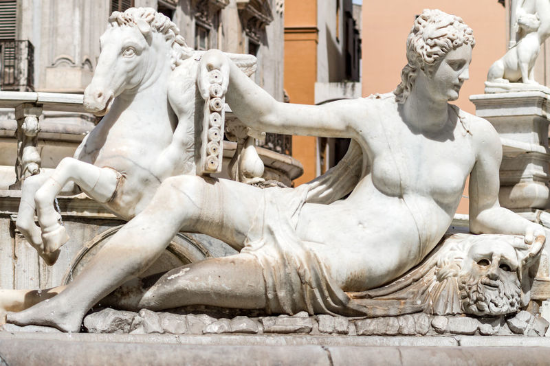 Marble statue in Piazza Pretoria, also known as the Square of Shame, Piazza della vergogna in Palermo, Sicily Beautiful Figure Palermo Palermo, Italy Palermo❤️ Piazza Della Vergogna Piazzadellavergogna Sculpting A Perfect Body Sicilia Statue Art Art And Craft Arts Culture And Entertainment Creativity Figurine  NakedWomenBodyArt Naked_art No People Palermo Shooting Piazza Pretoria Piazzapretoria Representation Sculpture Statue Statues