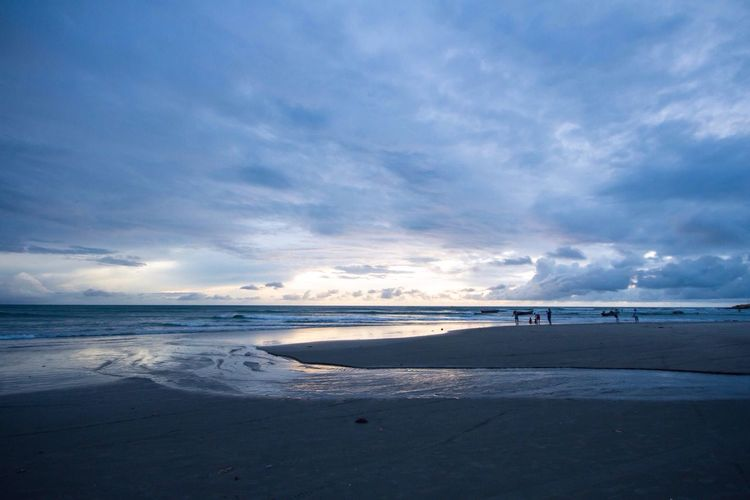 Sunset Sunset At Beach Beach Blue Light Blue Hour Reflections Clouds Blue Clouds Cloudy