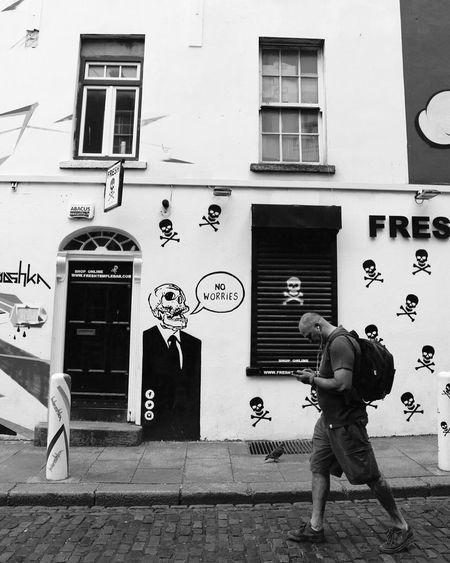 No worries No Worries Dublin Ireland Streetphotography Graffiti