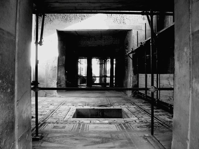 Archeology ArcheologicSite Romans Archeological Site Pompeii Ruins Pompei Scavi Ancient History The Past Travel Black & White Photography Travel Destinations Architecture Old Ruin Ancient Civilization
