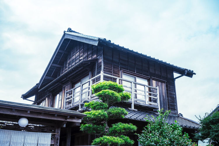 Green Japan Architecture Building Building Exterior Built Structure Chiba City Cloud - Sky Connection Day Garden Green Color Growth Housing Estate Low Angle View Nature No People Old Japanese Style Outdoors Plant Sahara Sky Tree Window
