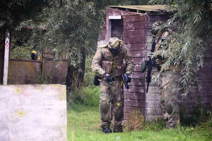 Paintballing Army Camouflage Combat Day Fun Guns Hanging Out Hobby Man Outdoors Paintball Paintballing Sport
