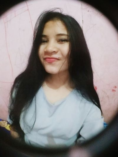 Yes I love selfie 🙋💃 Looking At Camera Lifestyles Close-up Young Women Smiling Followme Naughty♥ Beauty Indoors  Casual Clothing Long Hair Cutegirl Girl Swagg ♥ Girl Power Goodnight Lifestyle Moody Beautiful People Kekinian Indonesian