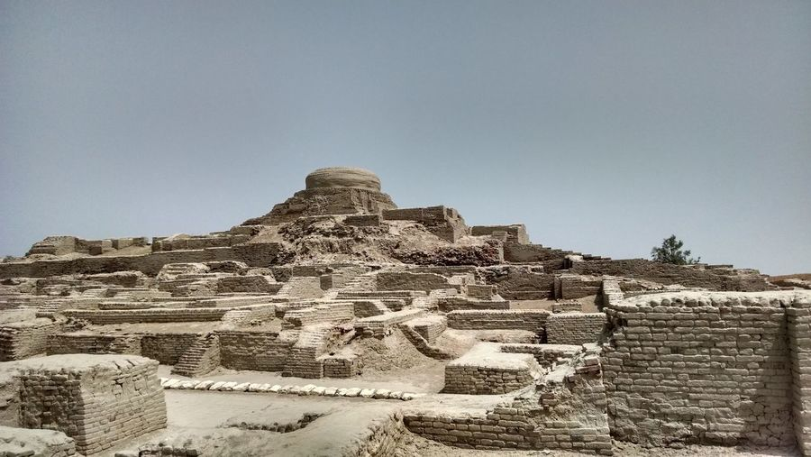Mohanjo Daro (ruins of oldest indus civilization) Mohanjodaro Ancient Ancient Civilization History Induscivilization Northsindh Old Ruin Ruinsofdead