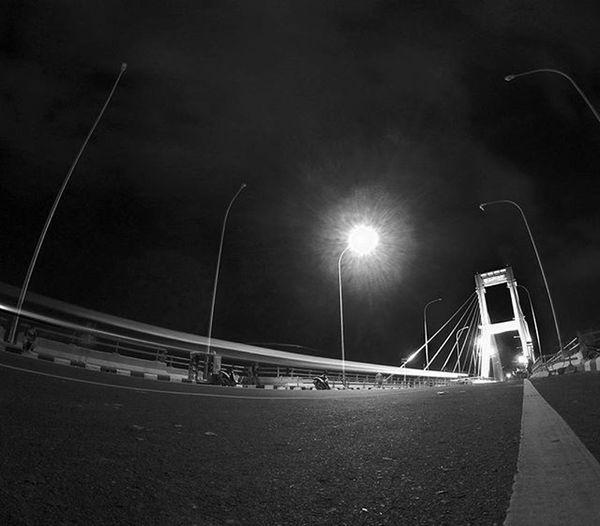 Hitam Putih, Keheningan Malam. . . . 📍 Jembatansoekarno 📷 Yicam Yishoot @yicamid Yicamid Yicamnusantara Manado Sulawesiutara IManado Instanusantara Instagram