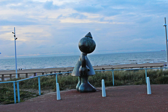 Beach Coast Cute Den Haag Giant Himmel Küste Meer Metal Metal Art Metal Artwork Nordsee North Sea Rusty Scheveningen  Sculpture Sculptures By The Sea Sea Sky Steel Steel Art Wasser Water
