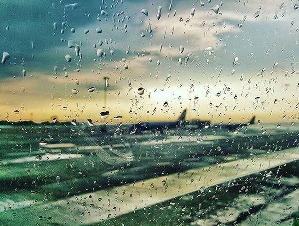 Sometimes it's gud to shift Focus Airlinepilot Crewlife Rain RainyDay Airplane Airbuslovers Boeing Avgeek Avnerd Aviation Clouds Fiftyshades_of_twilight Flying Flightdeckview Cockpitview ILoveMyJob Incredibleindia DelhiGram Delhi Igi Airport @desi_diaries @delhigram Weather JetAirways Delhiairport