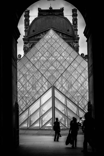 Big Louvre Architecture Group Of People Built Structure Real People Men Walking Day Travel Silhouette Building Exterior Travel Destinations The Architect - 2018 EyeEm Awards