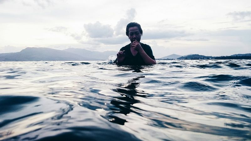 Fresh The Moment - 2015 EyeEm Awards The Great Outdoors - 2015 EyeEm Awards The Traveler - 2015 EyeEm Awards The Action Photographer - 2015 EyeEm Awards Swimming Peacefulness Beach Waves Waterscape Share Your Adventure Underwater Photography