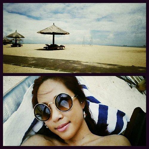 Hello Sunshine Lovinholidays 我不想,我不想,不想回家♡♡ TanningTime tanning at the beach Bali so relaxing