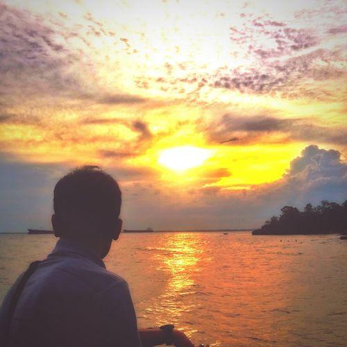 Beautiful sunshine.. Haha Mobile Photography Hello World Balikpapan EyeEm Indonesia EyeEm Nature Lover EyeEm Beach Sunset Sunsets