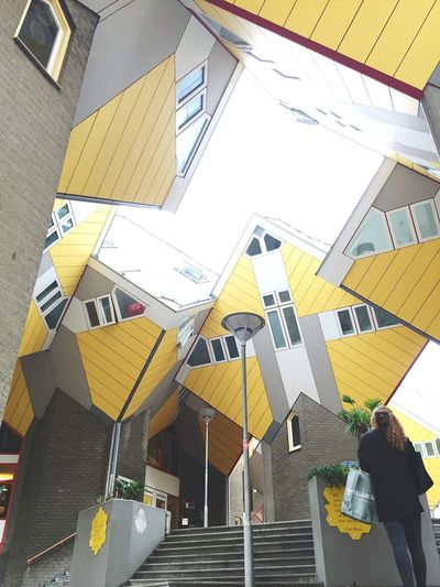 Throwback 🇳🇱 Architecture Rotterdam Netherlands Holidays Friend Citytrip Shopping Summer Yellow Houses Wanttobeback
