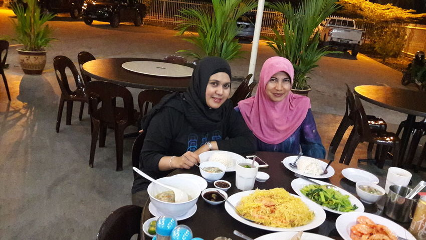 Two best friends are enjoying their night outing together by having dinner of seafood menu at the downtown seafood restaurant. Food Restaurant Food And Drink Eating Lifestyles Healthy Lifestyle Healthy Eating Togetherness Mix Yourself A Good Time Seafood Restaurant Seafood Lovers Seafood Dinner Delicious Delicious Foods Happiness Happy Time The Week On EyeEm EyeEmNewHere Done That. Second Acts