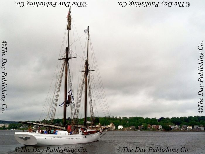 Schooner Alabama departs New London.