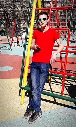 Red RedShirt  Park Rayban Wayfarer That's Me Today's Hot Look
