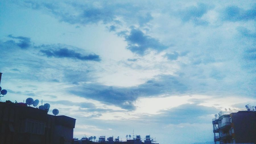Good Morning Smiling Keep Smiling Sky And Clouds Blue Sky Photooftheday Photoofthemorning Rainy Morning ı Love Rainy Days☔ Sky_collection
